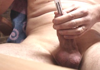 1 pen (stylo) bic in my cock